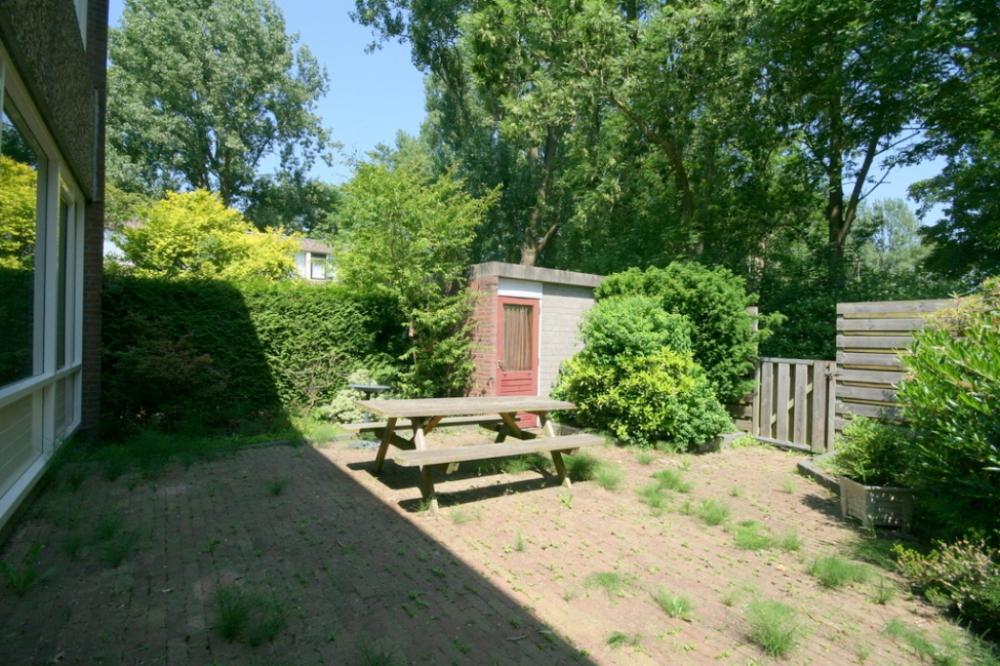 14-achtertuin
